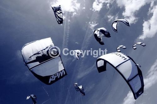 kites in the sky,kitesurfing kites,kiteboarding,LEI kites,
