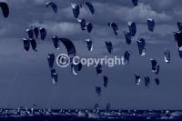 Kitesurfing_images,kiteboard_race_start_